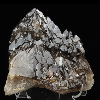 Elestial Quartz Elestial Quartz Properties and Meaning Example Photo 6
