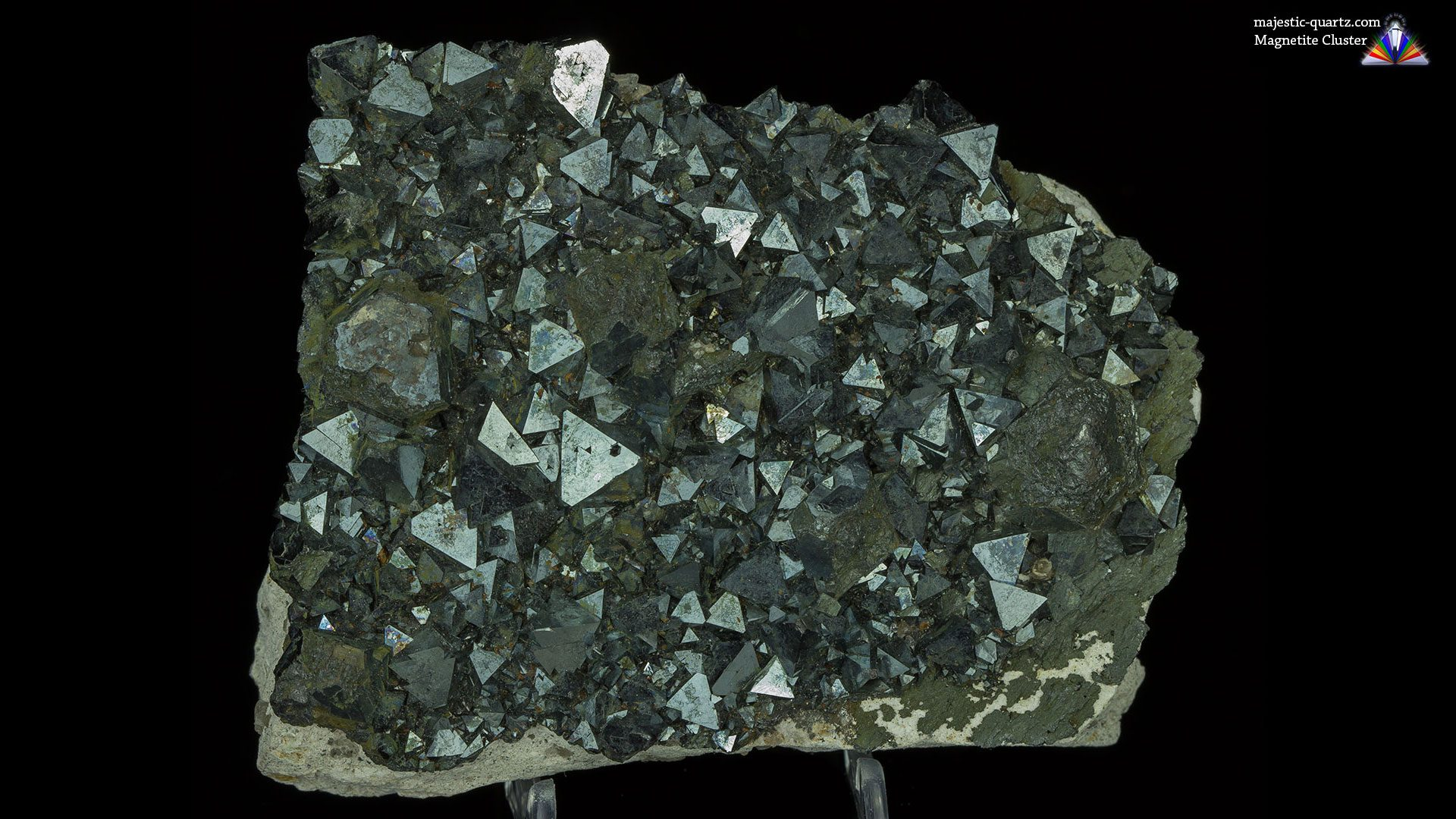 Magnetite Cluster Mineral Specimen - Photo by Anthony Bradford