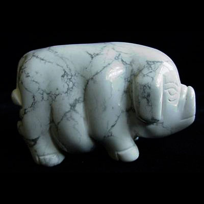 Howlite carved pig