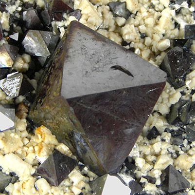Magnetite Lodestone Properties and Meaning Example Photo 4