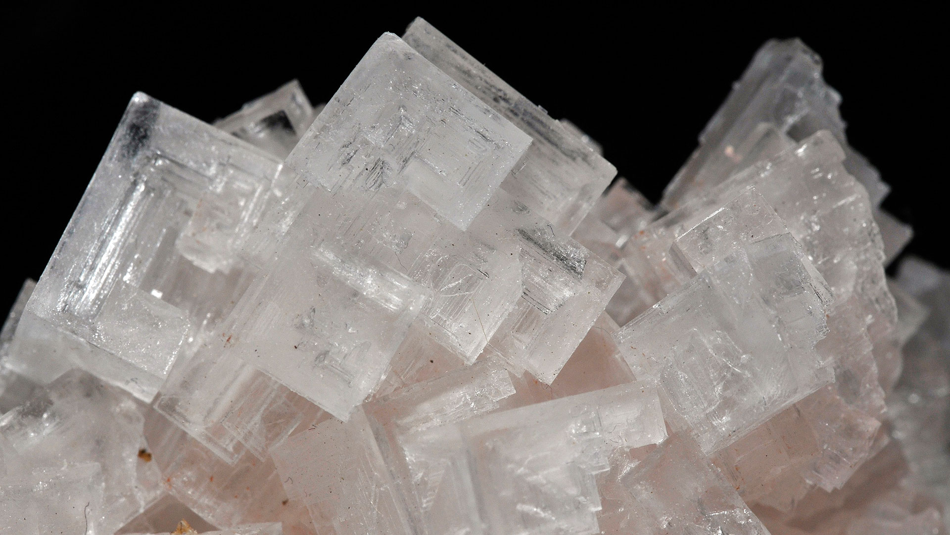 Halite Properties And Meaning Photos Crystal Information