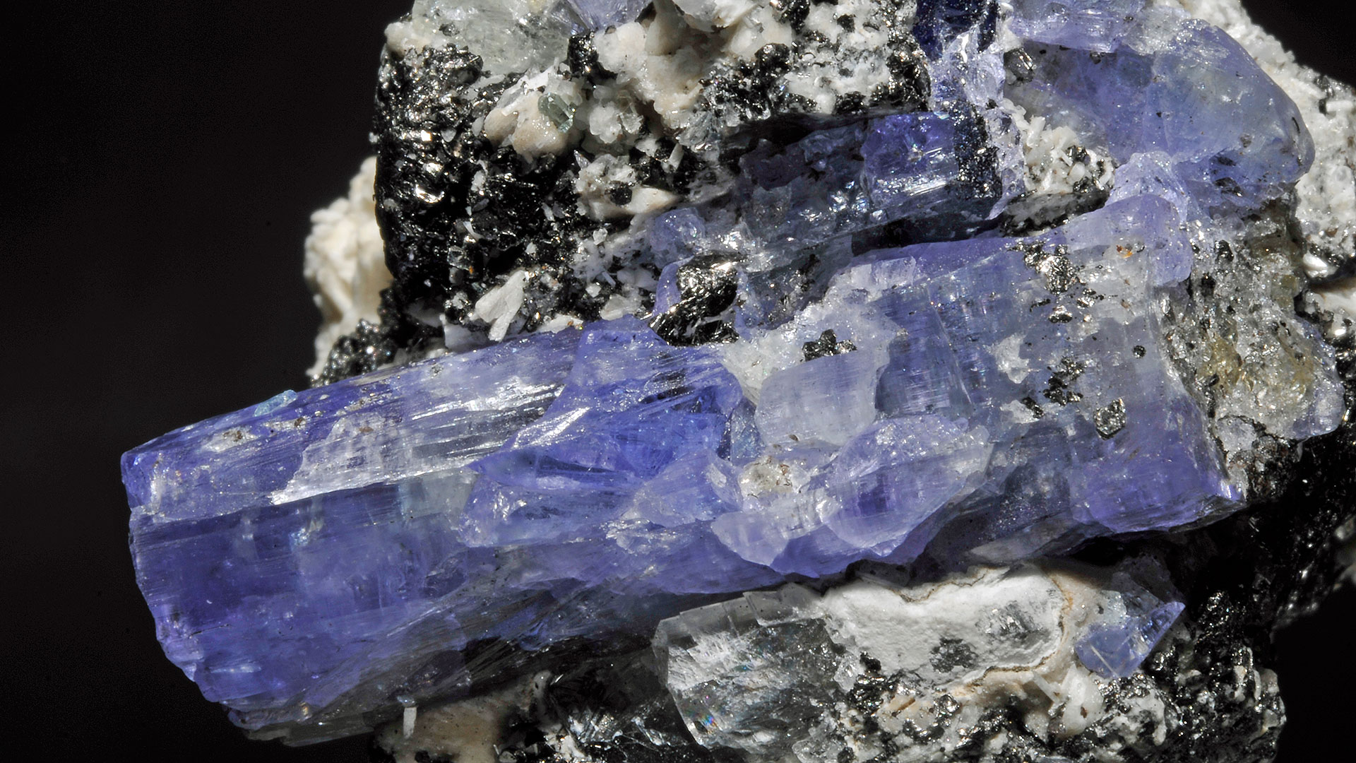Tanzanite Properties And Meaning Photos Crystal