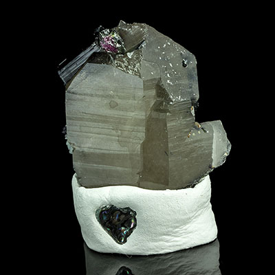 Tourmalated Quartz Properties and Meaning Example Photo 7